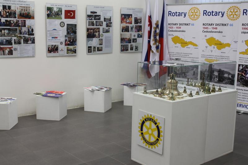 Rotary club, vernisáž, obrázek se otevře v novém okně